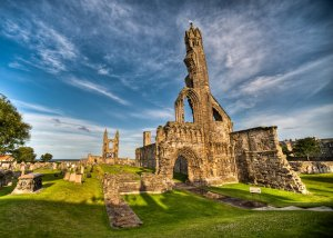ruins_of_st__andrews_cathedral_by_yupa-d2xr1az