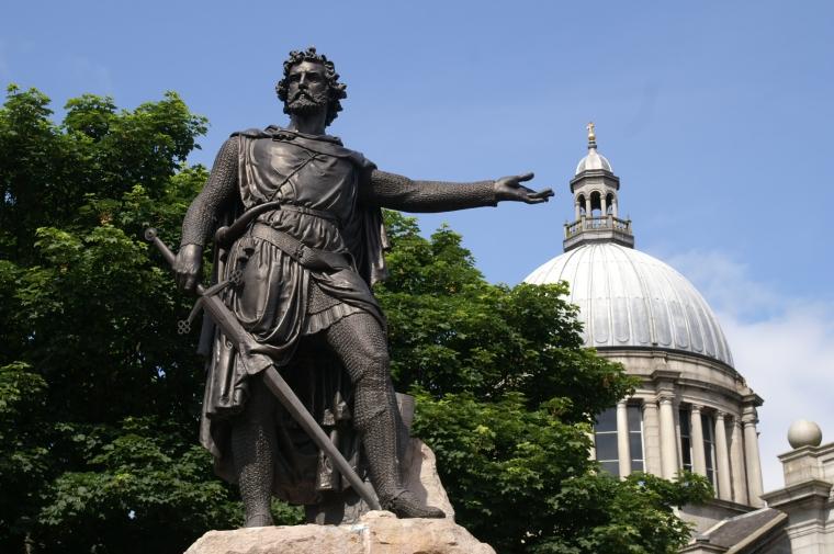 Una statua di Wallace ad Aberdeen