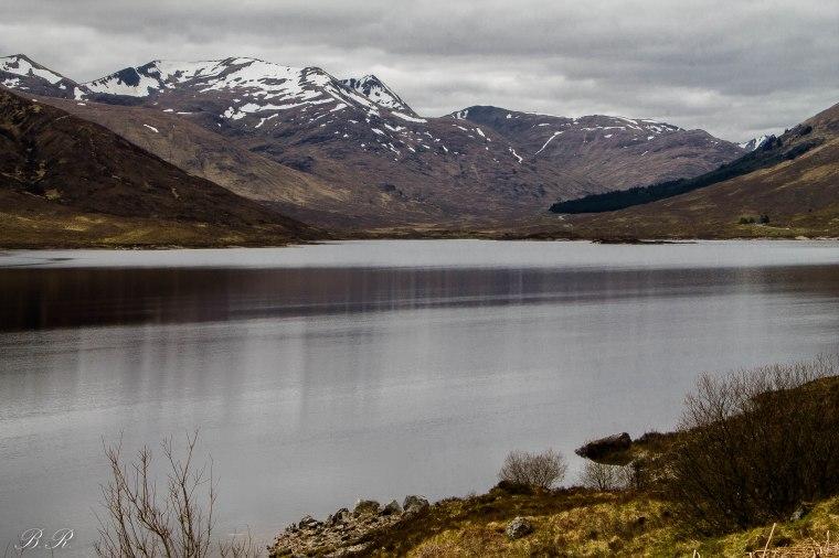 Uno scorcio del Loch Cluanie durante il tragitto verso l'Eilean Donan Castle