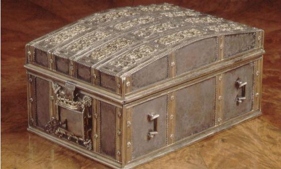 Il famoso scrigno dove erano coservate le lettere, private e compromettenti, di Mary Stuart all'amante