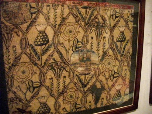Uno dei tanti arazzi realizzati da Mary Stuart, ricamato durante gli anni della prigionia in Inghilterra