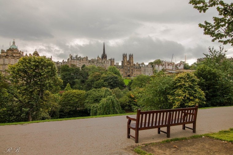 Princes-Street-Gardens-Edinburgh-BeatriceRoat