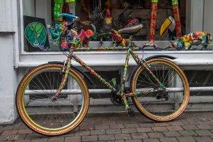 Biciclette colorate per le vie di Marolles