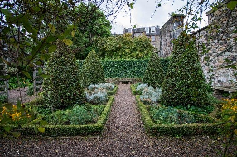 Edinburgh_Dunbar'sClose_BeatriceRoat