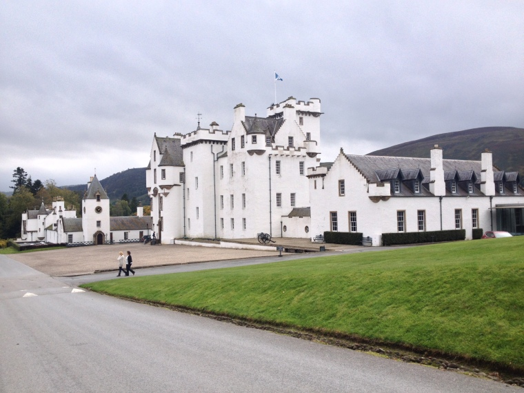 blair-castle-scotland-BeatrieRoat