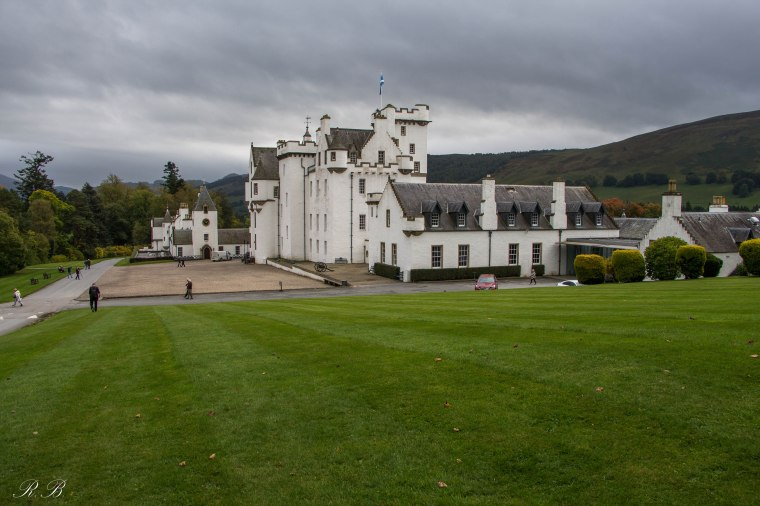 Blair-castle-scotland-BeatriceRoat