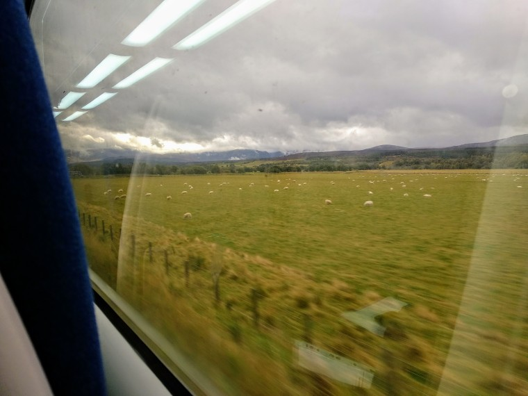 ScotlandByTrain-BeatriceRoat