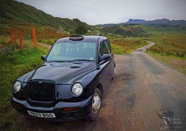 x beatrice the black London taxi of Eigg (rid)