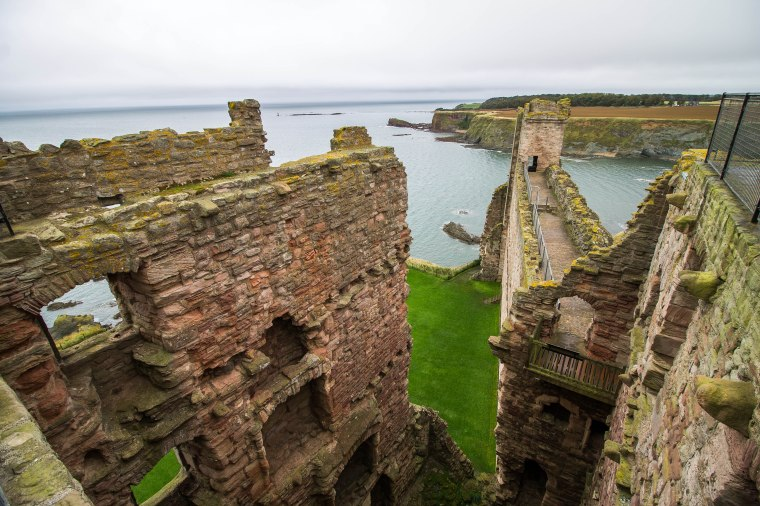 Tantallon_Castle_BeatriceRoat