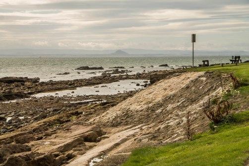 Vista dall'aerea di sosta: quel monte in fondo è il North Berwick Law, dall'altra parte del Firth of Forth