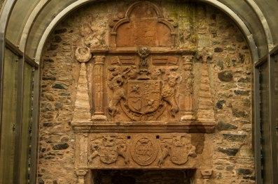 Uno dei caminetti risalenti agli inizi del1600