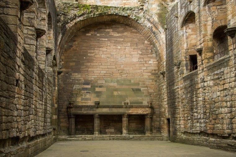 LinlithgowPalace-Scotland-BeatriceRoat