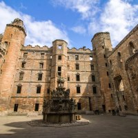 Linlithgow Palace, dove nacque Mary Stuart