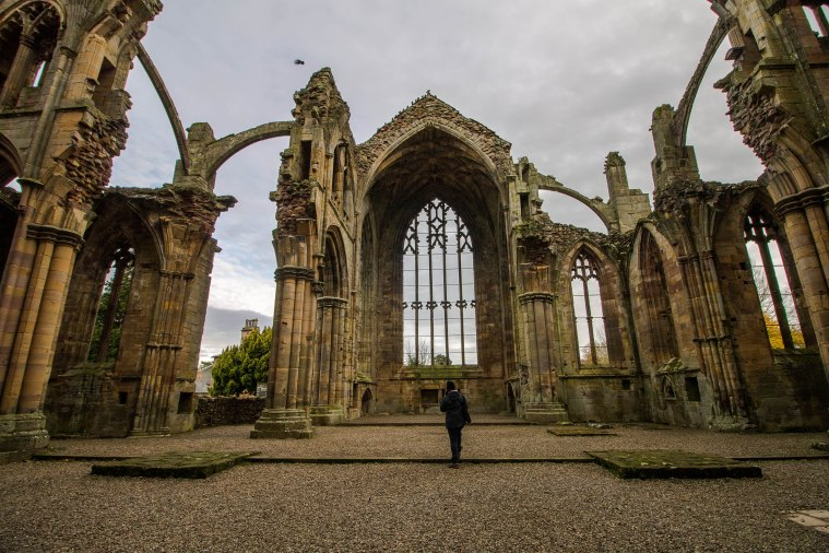 Melrose-Abbey-Scotland-BeatriceRoat