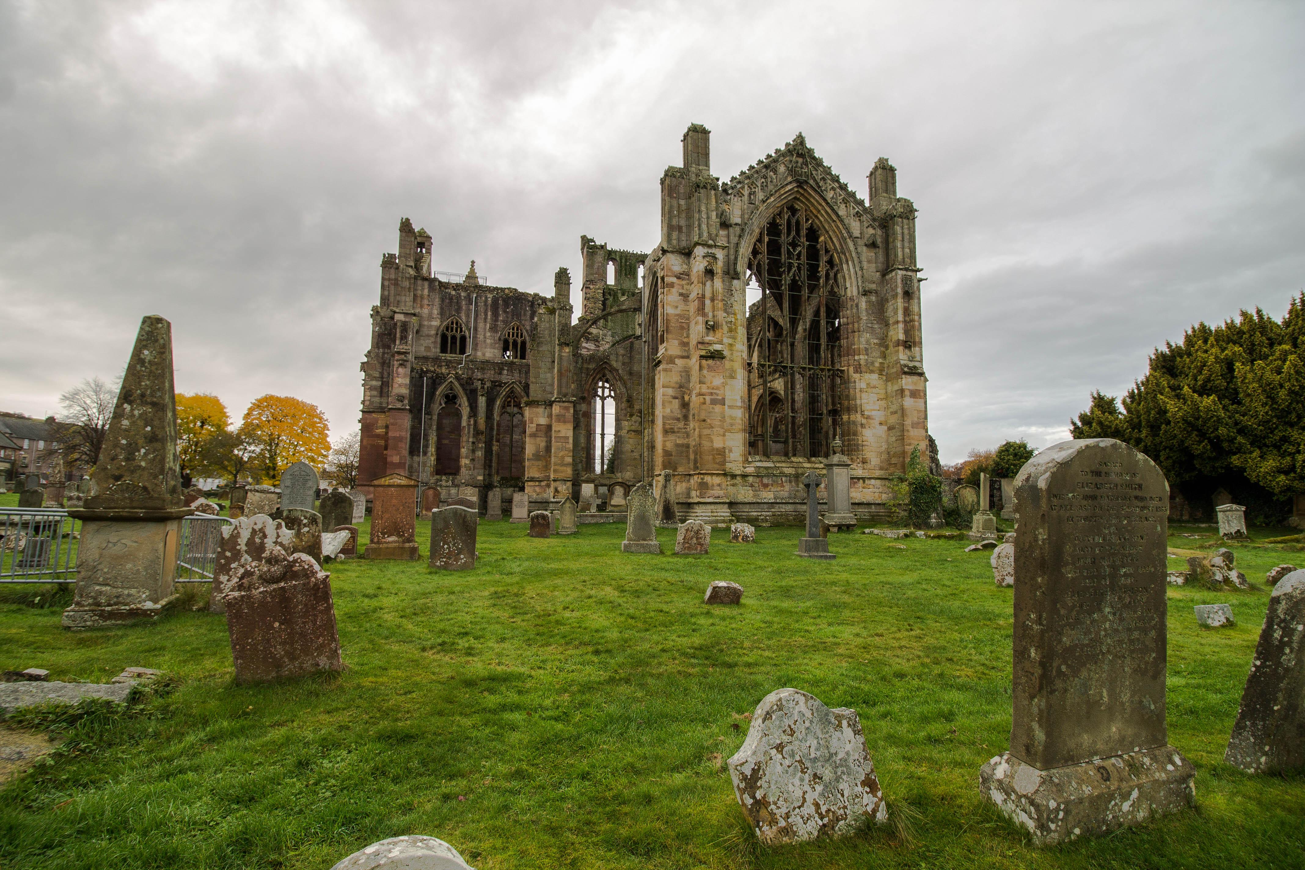 MelroseAbbey-Scotland-BeatriceRoat