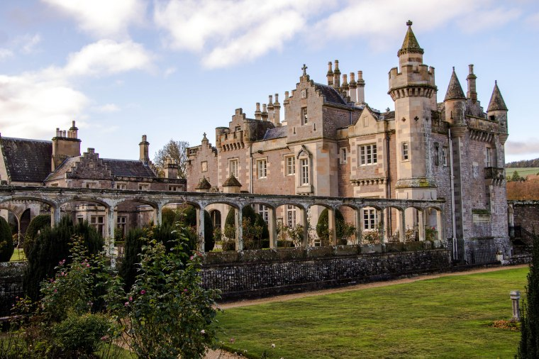 Abbotsford House-Scotland-BeatriceRoat