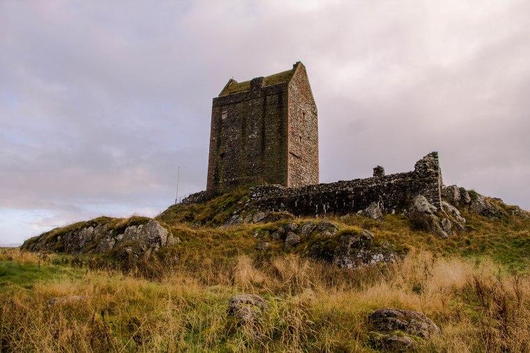 Smailholm-Tower-Scotland-BeatriceRoat