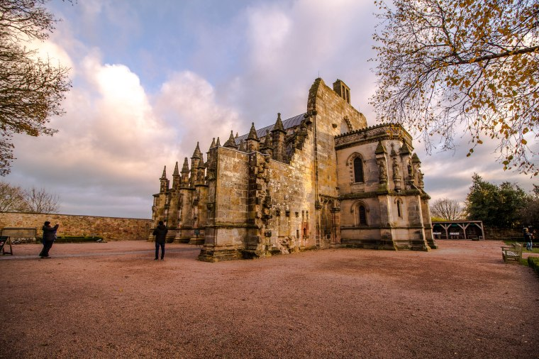 Rosslyn-Chapel-Scotland-BeatriceRoat