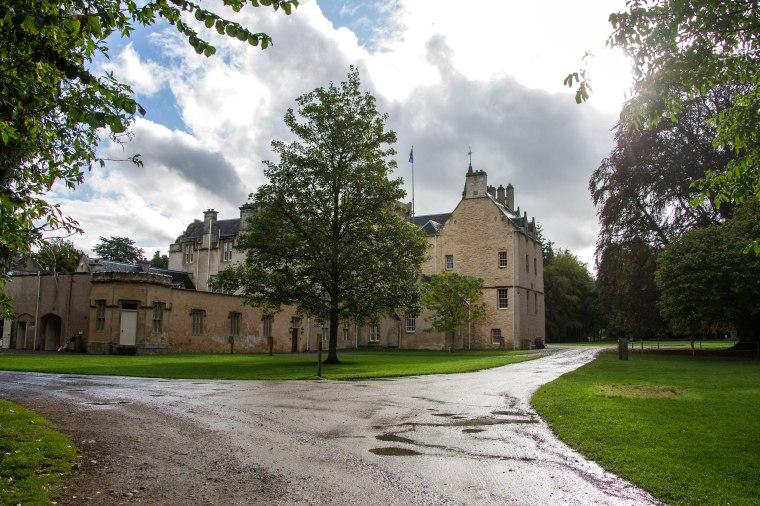 BrodieCastle-Scotland-BeatriceRoat