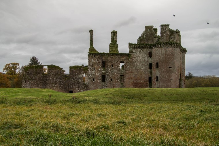CaerlaverockCastle-Scotland-BeatriceRoat